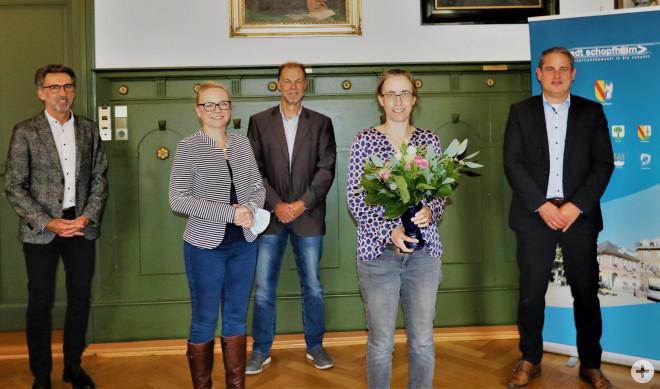 Von links: Fachbereichsleiter Jürgen Sänger, Jasmin Kortüm, Ortsvorsteher Walter Würger, Antje Borowski, Bürgermeister Dirk Harscher