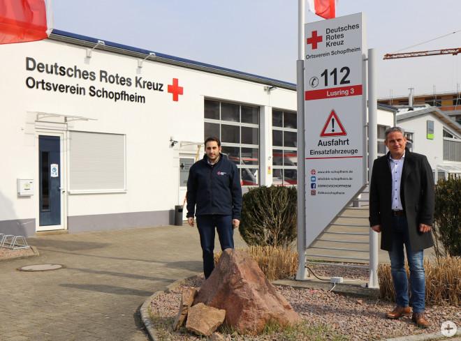 Vorsitzender Simon Redling und Bürgermeister Dirk Harscher